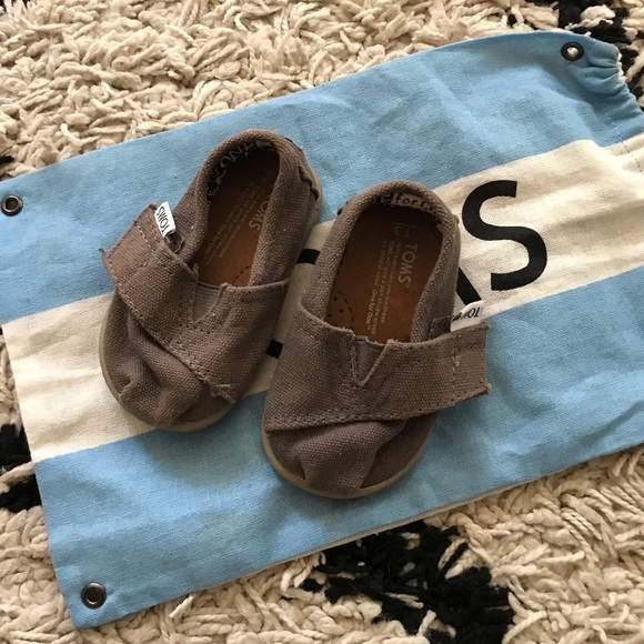 Toms Other - Tiny Toms Classic Shoe